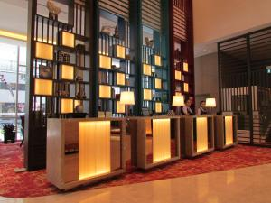 The lobby or reception area at Mercure Singapore Bugis (SG Clean)