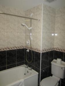 A bathroom at Cuil Darach