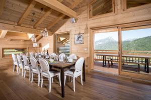 Restaurant ou autre lieu de restauration dans l'établissement Chalet Celeste