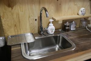 A kitchen or kitchenette at Kagaribi Guesthouse