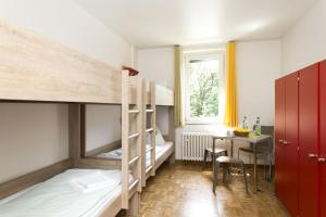 A bunk bed or bunk beds in a room at Jugendherberge Bonn