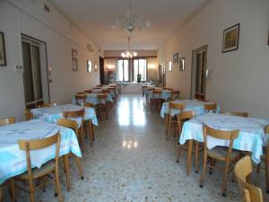 A restaurant or other place to eat at Casa Caburlotto
