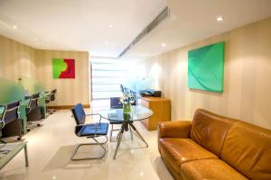 Гостиная зона в Byblos Hotel