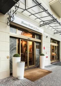 The facade or entrance of Nuovo Hotel Del Porto
