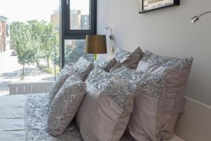 Ett rum på Deluxe London Bridge Apartment
