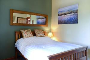 A room at Old Field Barn Luxury B & B