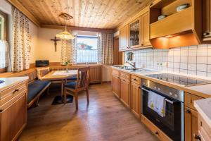 Küche/Küchenzeile in der Unterkunft Apartment Anny