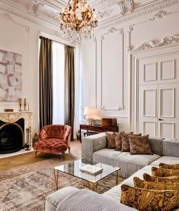 Een zitgedeelte bij Soho House Istanbul