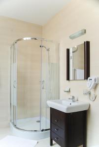 O baie la Hotel Dacia