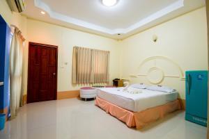 A room at Ratchapreuk Resort