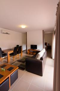 The lounge or bar area at Sítio da Assumada