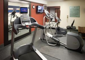 The fitness center and/or fitness facilities at Hampton Inn Pittsburgh University Medical Center