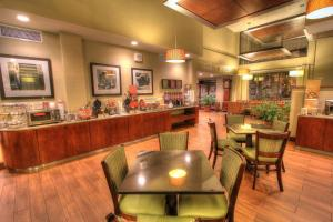 A restaurant or other place to eat at Hampton Inn Gatlinburg