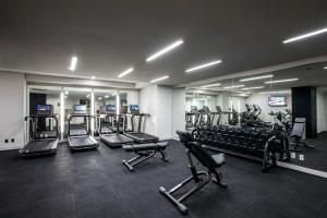 The fitness center and/or fitness facilities at LondonHouse Chicago, Curio Collection by Hilton