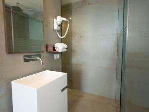 A bathroom at Roca Du Ma Pasu