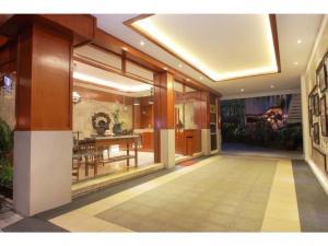 The lobby or reception area at Paku Mas Hotel