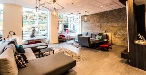 The lounge or bar area at Saga Poshtel Oslo Central