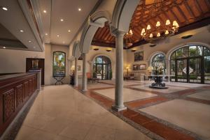 The lounge or bar area at Marriott's Playa Andaluza