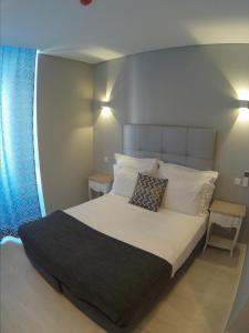 A room at Pensao Estacao Central