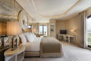 A room at Wyndham Grand Istanbul Kalamış Marina Hotel
