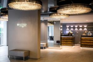 The lobby or reception area at Pullman Munich