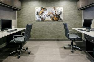 The business area and/or conference room at Radisson Hotel & Conference Center Coralville - Iowa City