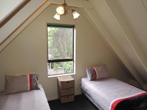 A room at Waiheke Island Punga Lodge