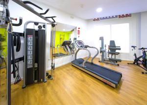 The fitness center and/or fitness facilities at Hotel Vibra Marítimo