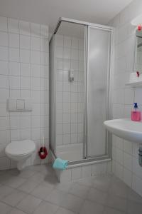 Ein Badezimmer in der Unterkunft Hotel Zum Stern
