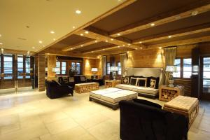 A seating area at Rosapetra SPA Resort