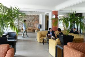 The lobby or reception area at Hotel Metropole Suisse