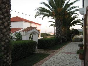 Сад в Cerigo House