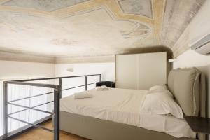 Una habitación en Two-Bedroom close to Mercato Centrale