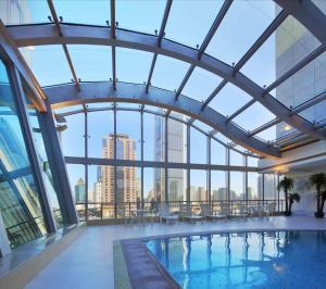 المسبح في فندق مدينة شنغهاي أو بالجوار
