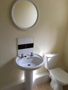 A bathroom at Ebers Hotel