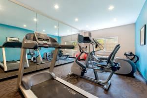 The fitness center and/or fitness facilities at Fairfield Inn & Suites Stevens Point