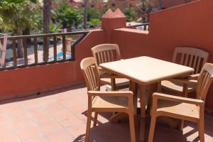 Een balkon of terras bij Oasis Royal