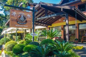 A fachada ou entrada em Hotel Recanto da Serra