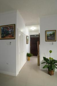 The lobby or reception area at Choose To Be Happy at Eight - Eight Super Studio Apartments