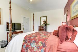 A room at The St. Mary's Inn, Bed and Breakfast