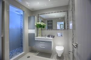 A bathroom at Waterside Village