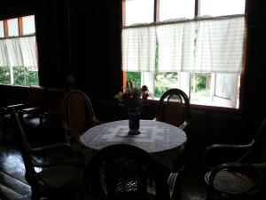 The lounge or bar area at Sawang Guesthouse