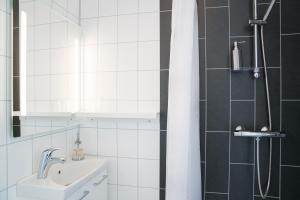 A bathroom at Hotel West