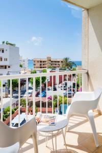 Balcon ou terrasse dans l'établissement Hostal Residencia Sutimar