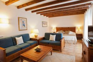 Een zitgedeelte bij Princesa Yaiza Suite Hotel Resort