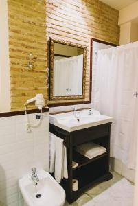 A bathroom at Ad Hoc Monumental 1881