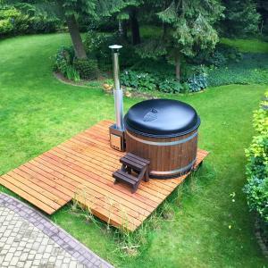 Ogród w obiekcie Dom z Misiem Krynica Zdrój