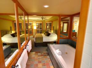A bunk bed or bunk beds in a room at Embarc Whistler By Diamond Resorts