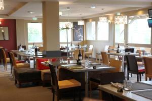 Ресторан / где поесть в Best Western l'Atelier 117