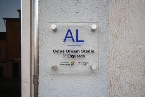 Um certificado, prémio, placa ou documento mostrado em Celas Dream Studio